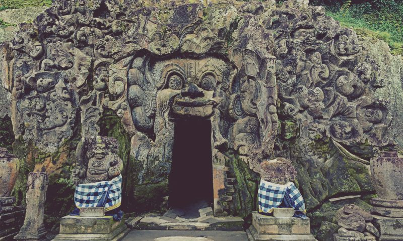 Entrada a Goa Gajah (Cueva del Elefante)