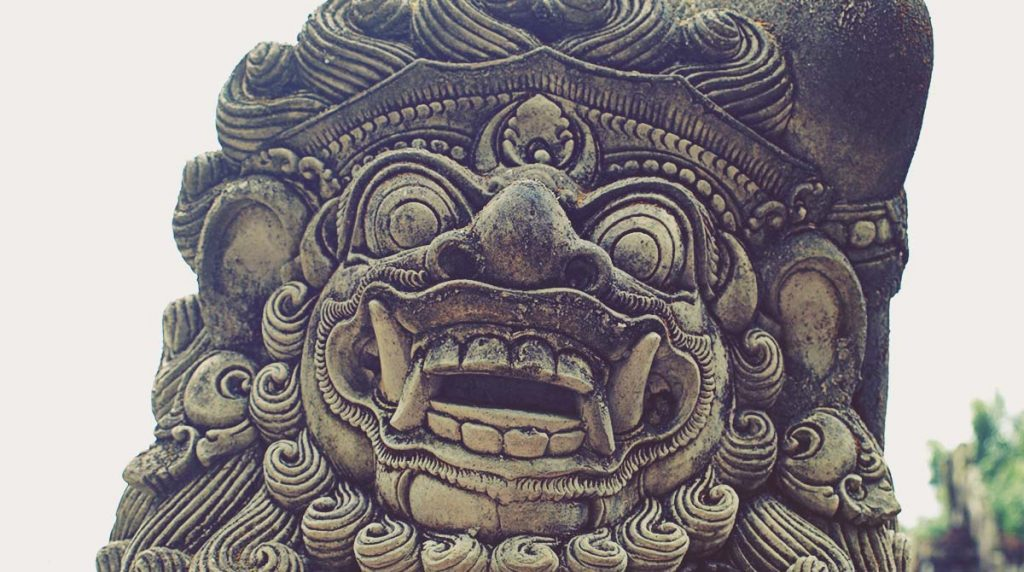 Dvarapala en Tirta Empul, Bali