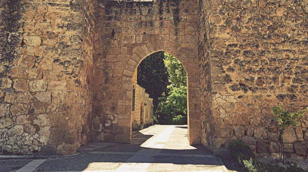 Puerta-Juego-de-Pelota-Brihuega