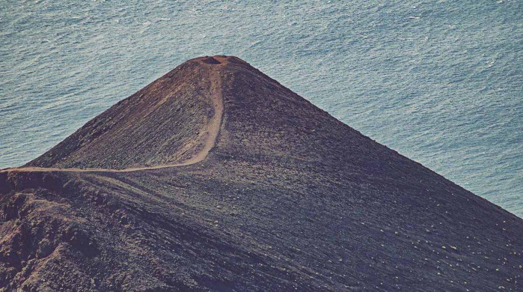 Volcan-Teneguia-La-Palma