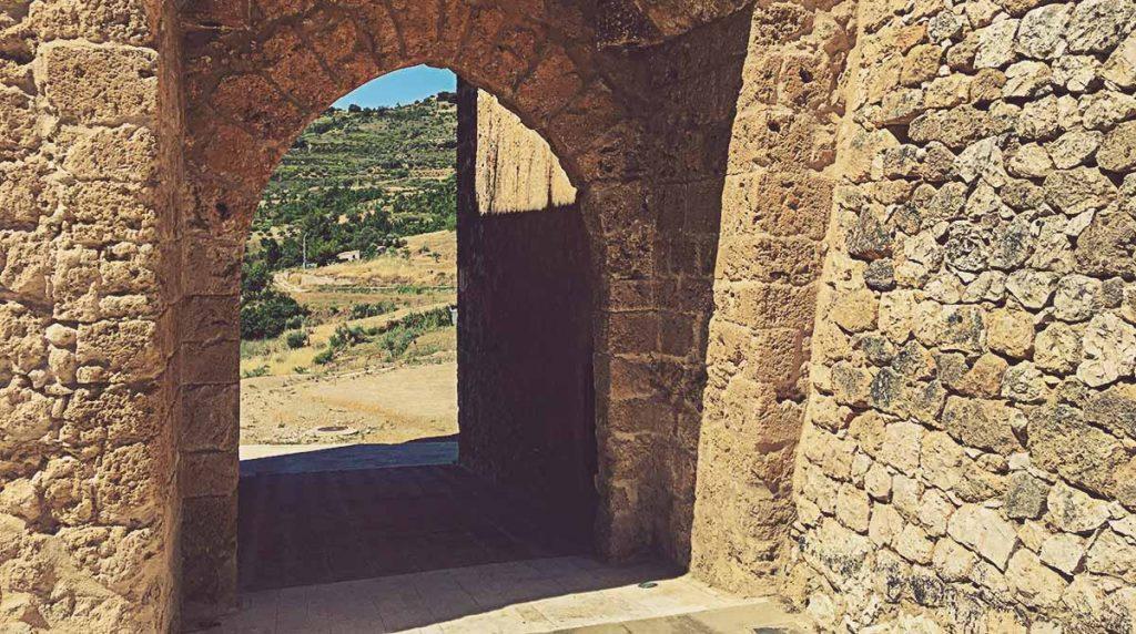 Arco de Cozagón, Brihuega