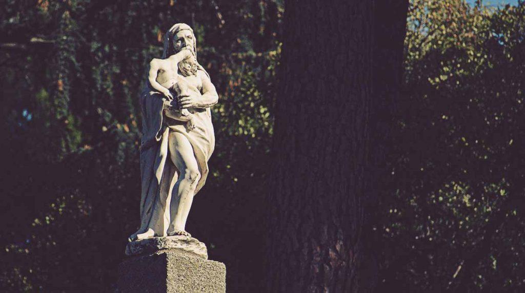 Estatua-de-Saturno-El-Capricho