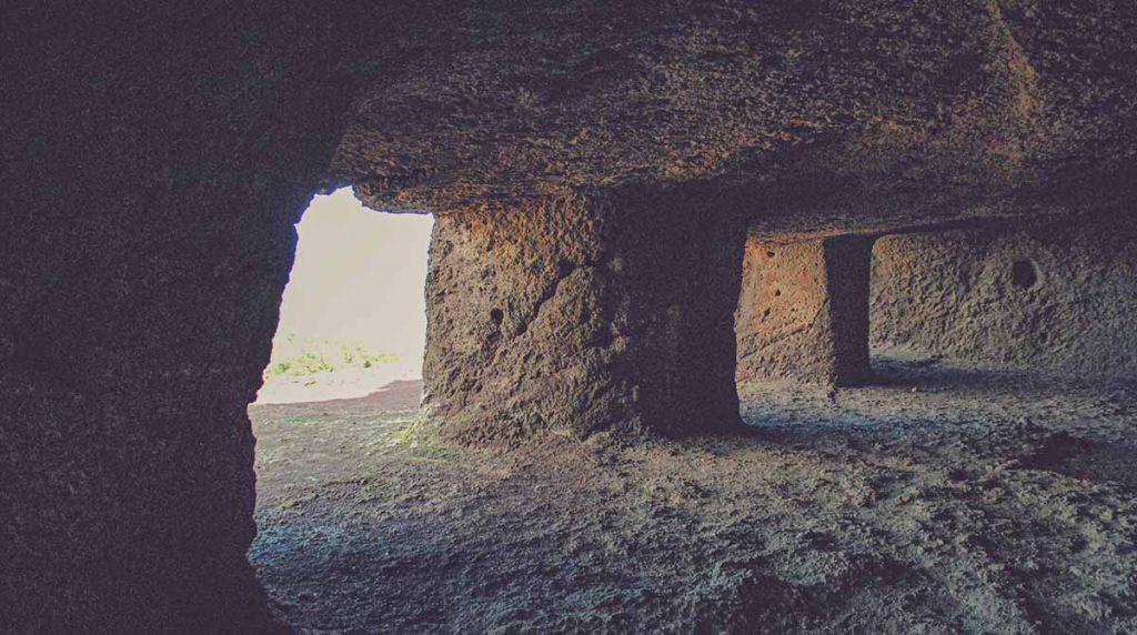Cueva de Cuatro Puertas, Telde
