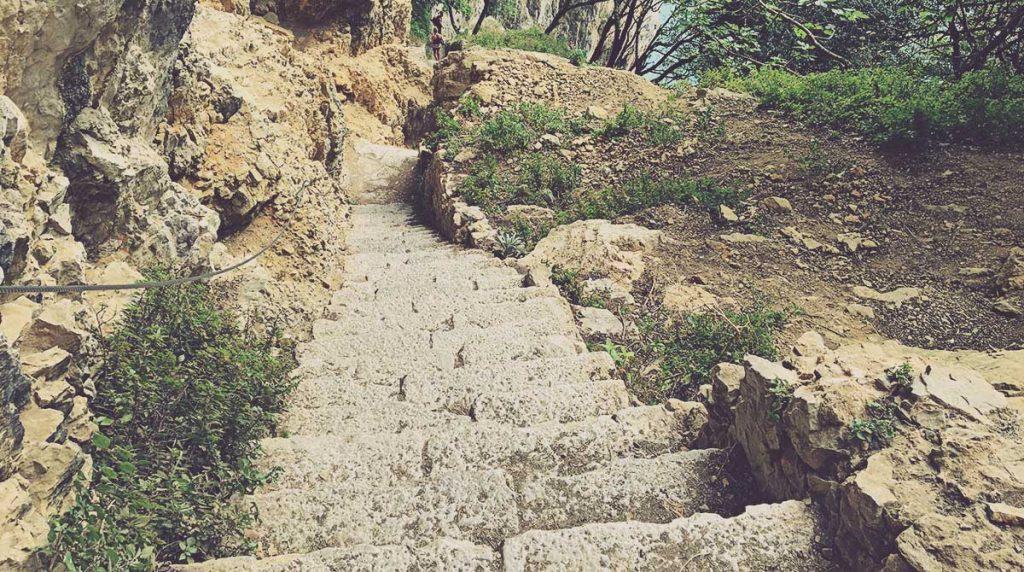 Escaleras-Faro-del-Caballo