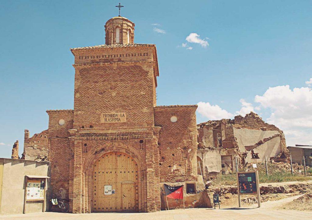 Pueblo-Viejo-de-Belchite-Arco-de-la-Villa